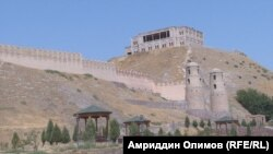 Ежегодно Гиссарскую крепость посещали десятки тысяч туристов