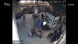 У Москві на фотовиставку з фотографіями війни на Донбасі напали прокремлівські активісти (відео)