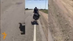 Әлмәт егете хаҗга велосипедка утырып бара