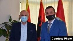 Градоначалникот на Дебар,Хекуран Дука, и градоначалникот на Пешкопеја, Дионис Имерај