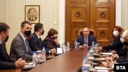 """В сряда президентът Румен Радев проведе консултации с три от партиите в мрежата на Мая Манолова """"Изправи се.БГ"""""""