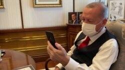 Hősnek tartják a bécsi támadás idején másoknak segítő török férfiakat