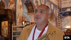 """Бойко Борисов в църквата """"Св. Св. Кирил и Методий"""" в Ловеч в понеделник"""
