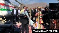 Эмомалӣ Раҳмон рӯзи 9-уми апрел ба Ворух сафар кард