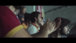 Единый Стамбул: как враждующие футбольные фанаты объединились ради общей цели