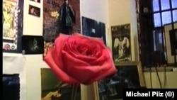 """Кадр из фильма Михаэля Пильца """"С любовью"""""""