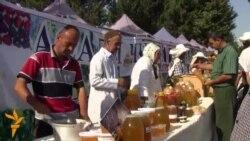 Праздник меда и дыни дошел до Душанбе