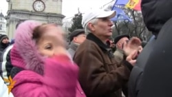 Moldavi: Mijëra vetë demonstrojnë kundër qeverisë