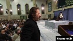 مجید مجیدی در دیدار جمعی از سینماگران با رهبر جمهوری اسلامی در شهریور ۸۸