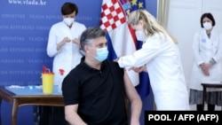 Premijer Andrej Plenković (na fotografiji) se javno vakcinisao 24. ožujka u Zagrebu