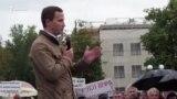 Казанские чиновники ретировались с митинга с позором