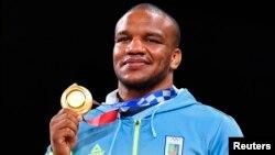 Для Беленюка – це перша золота нагорода. У 2016 році він став срібним призером Ігор у Ріо-де-Жанейро