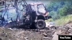 تصویری از خودروی خبرنگاران آذربایجانی پس از انفجار مین