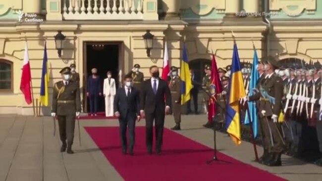 Президент Польщі у Києві привітався гаслом «Слава Україні» і згадав про Крим – відео