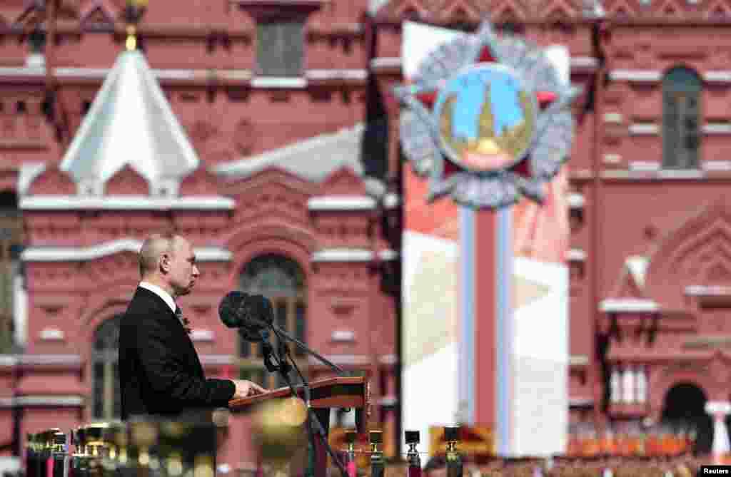 Рускиот претседател Владимир Путин одржа говор за време на Парадата за Денот на победата на Црвениот плоштад во Москва, Русија, 24 јуни 2020 година.