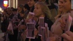 В Петербурге прошел флешмоб в поддержку Андрея Пивоварова