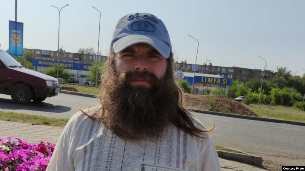 Житель поселка Бестобе и экоактивист Николай Катчиев