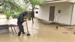 Под Алматы под воду ушли десятки дач
