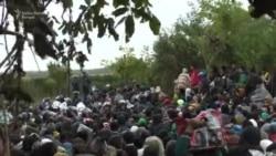 Berkasovo: Čekanje u blatu na prelaz u Hrvatsku