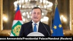 Mario Draghi u obraćanju medijima nakon razgovora sa italijanskim predsjednikom Sergijom Mattarellom, Rim (3. februar 2021.)