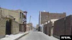 زاهدان از جمله شهرهایی است که به گفته ساکنانش با فقری عمیق دست و پنجه نرم می کند.