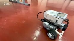 Ош. Сельский педагог учит школьников конструировать роботов
