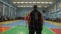 Мітрапаліт Кандрусевіч гуляе ў футбол
