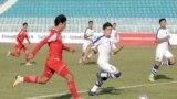 Дастаҳои мунтахаби наврасони то 16-солаи футболи Тоҷикистон ва Узбекистон.