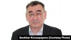 Марқұм Ерлан Қоныспаевтың әкесі, химия ғылымдарының докторы, профессор Сапарғали Қоныспаев.