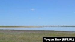 «Чистая» часть озера Красное