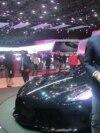 مدیرعامل بوگاتی در گفتوگو با رادیو فردا از «خودروی سیاه» میگوید