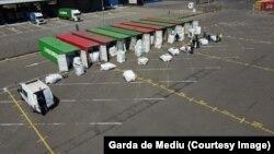 Un transport de gunoaie oprit de autoritățile române. Doar anul acesta au fost descoperite containere cu deșeuri cât în ultimii cinci ani.