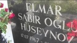 Elmar Hüseynovun doğum günündə dostları yenə məzarı başında