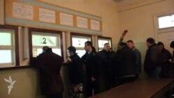 Черкаські чоловіки добровільно пішли записуватися у військкомат