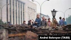 19 августа 1991 года. Защитники Дома Советов России
