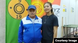 Каныкей Кубанычбекова с тренером Виктором Суровцевым.