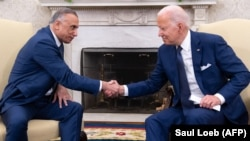 د امریکا ولسمشر د جولای پر۲۶مهپه سپینه ماڼۍ کې د عراق له وزیراعظم مصطفی الکاظمي سره د ملاقات پر مهال.
