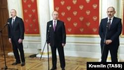 11-уми январ, Кремл