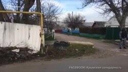 Российские силовики провели обыск в доме крымскотатарского активиста (видео)