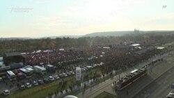Proteste masive la Praga, în ajunul comemorării Revoluției de catifea