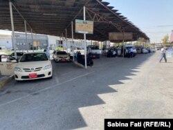Parcarea de unde pleacă mașinile din Erbil spre Sulaymaniyah