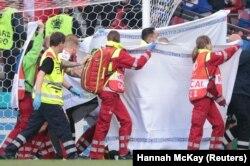 Momente dramatice în timpul meciului dintre Danemarca și Finlanda