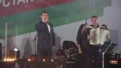 Яңгыр астында узган сайлау концертына Рөстәм Миңнеханов килмәде