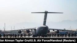 ABŞ-nyň harbylary, Kabulyň aeroporty