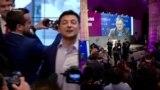 Зеленський та Порошенко: реакція штабів на результати екзит-полу (відео)