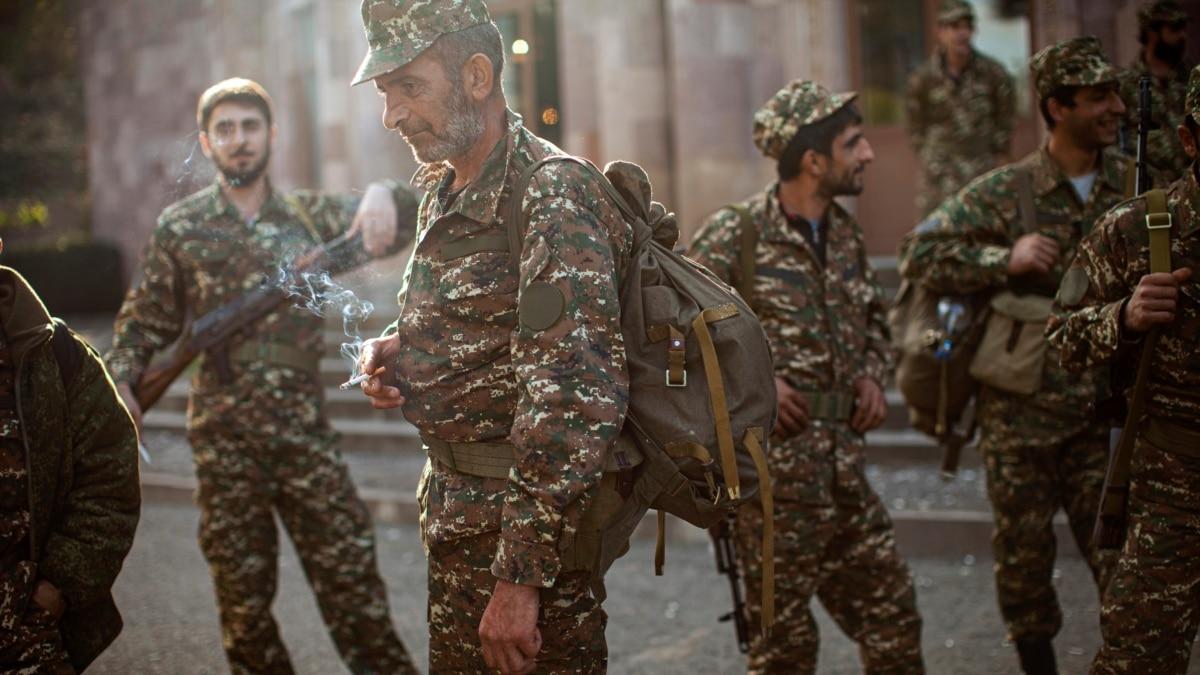 Почему российские миротворцы не могут войти в Нагорный Карабах, ответил Песков
