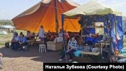Палаточный лагерь у посёлка Черемза