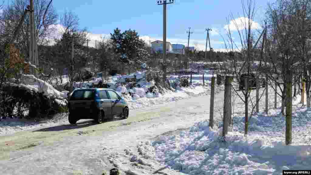 У цьому місці сніг перетворився в лід. Реагенти не сипали