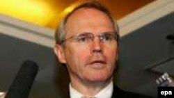 کریستوفر هیل، مذاکره کننده آمریکا در بحران کره شمالی، بن بست در مذاکرات را اعلام کرد.