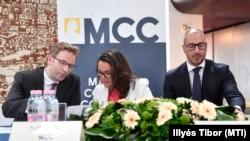 Szalai Zoltán, Novák Katalin és Tombor András az MCC rendezvényén